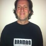Bram Waterman leeftijd: 46 jaar hobby's: skateboarden en voetbal woonplaats: Amsterdam specialiteiten: wasmachines, autorijden en trappen lopen eten: Lamsribs van Babylon Alaturka lengte: 178 gewicht: 80kg